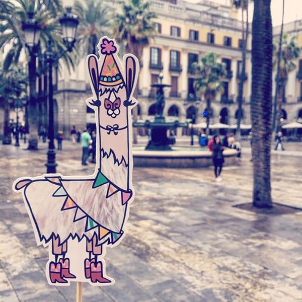 Barcelona_LlamaInvasion_2